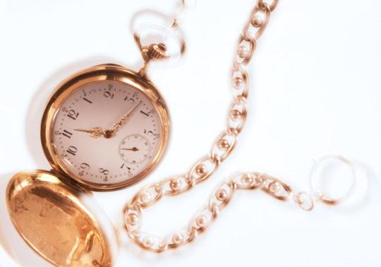 stillfotografie stills accessoires taschenuhr watch watches gold expensive mode fashion