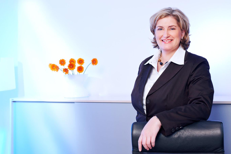 peoplefotografie fotografie people business portrait CEO company unternehmen onloction woman