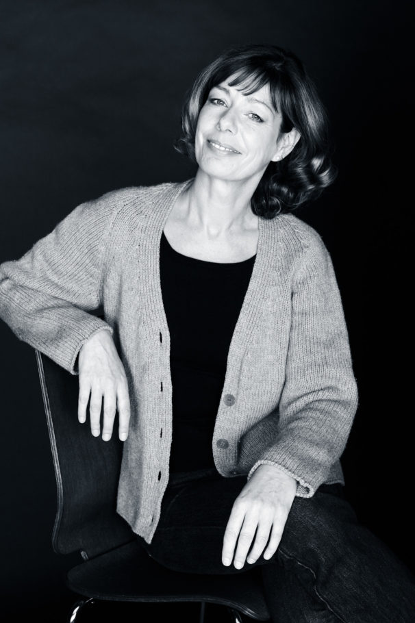 peoplefotografie fotografie people business portrait CEO company unternehmen studio woman schwarzweiss blackandwhite