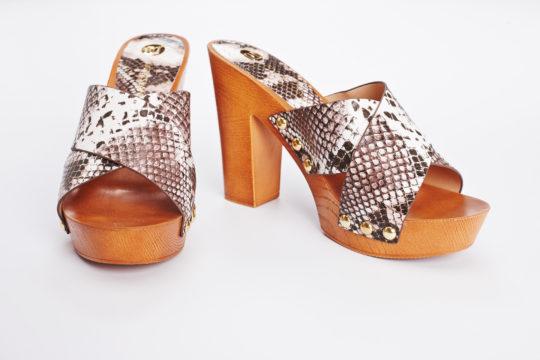 fotografie fashion mode stiils product productshot shoes catalogue internetshop ecommerce outfit streetwear model female