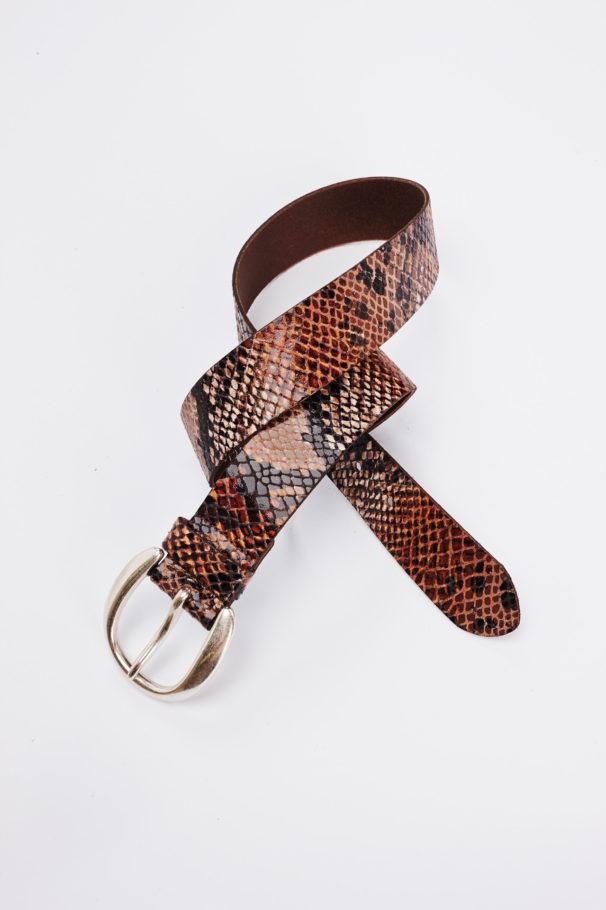 fotografie fashion mode stiils product productshot catalogue internetshop ecommerce outfit streetwear model female