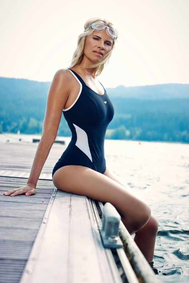 fotografie mode fashion swimwear alpina onlocation lake blackforrest